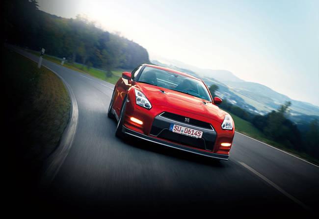 Nissan GT-R 2014 3