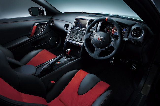Nissan GT-R Nismo 2014 18