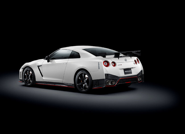 Nissan GT-R Nismo 2014 3