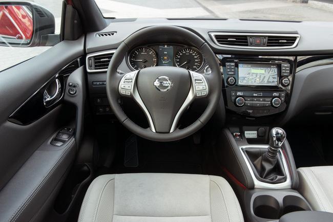 Nissan Qashqai Premier Limited Edition 13 interior