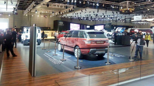 Range_Rover_Sport_Record_Empty_Quarter_18