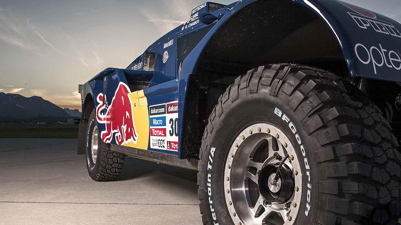red bull smg buggy  la montura de sainz para el dakar 2014