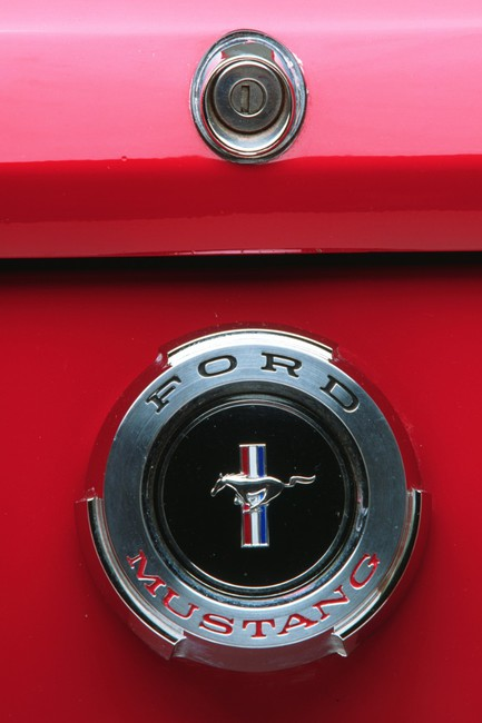 logo mustang 12