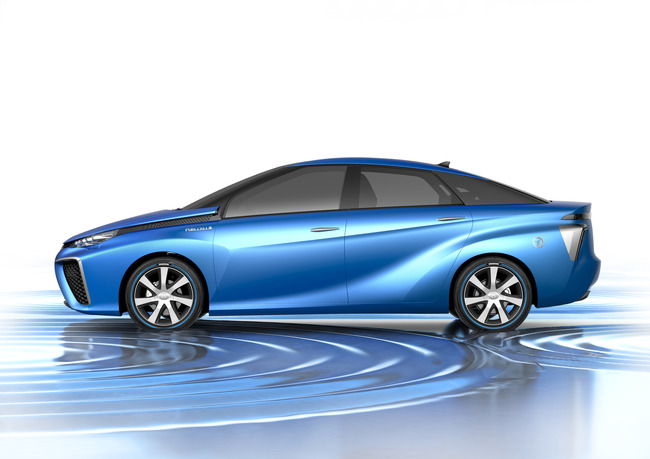 toyota-fuel-cell-vehicle-2013-04