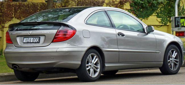 1. Mercedes-Benz C-Class Sport Coupe de 2004