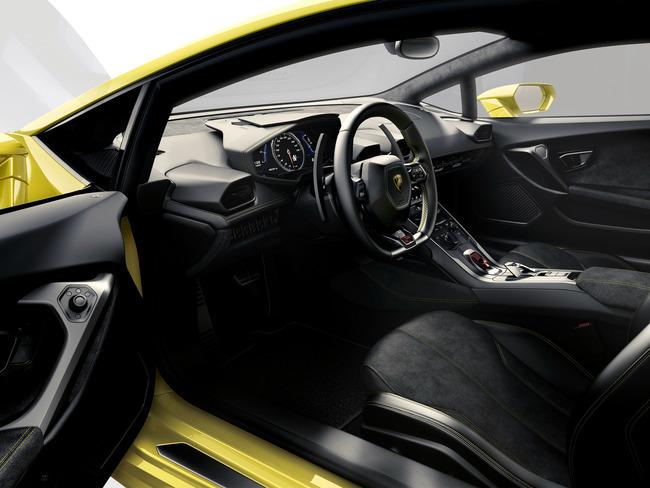 Lamborghini Huracan 2014 interior 11
