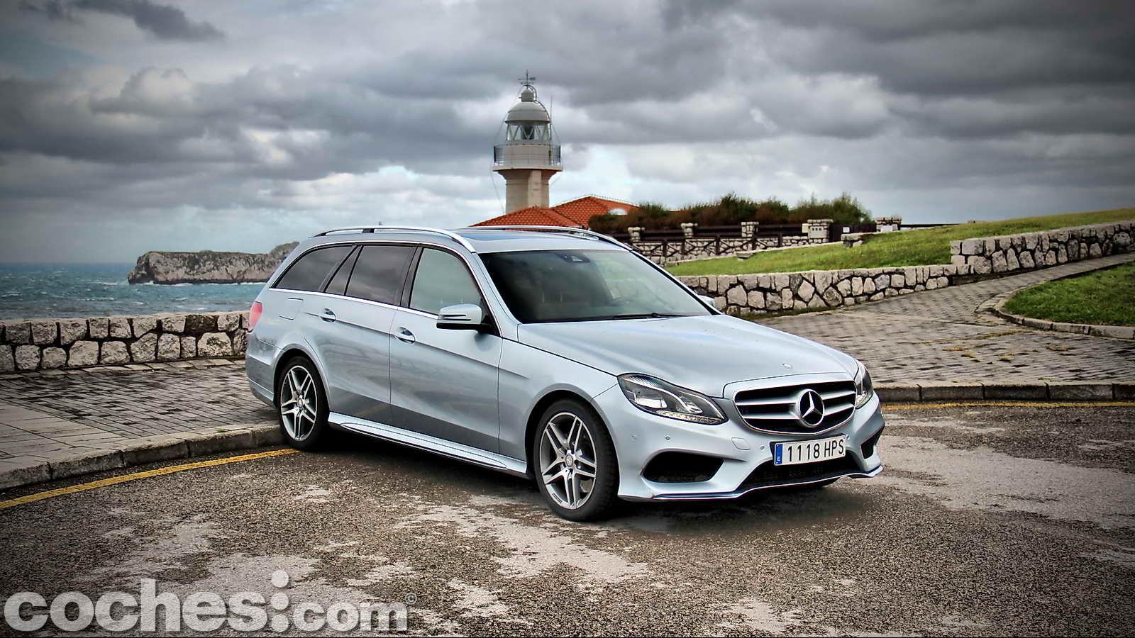 Mercedes_Benz_Clase_E_350_BlueTEC_4MATIC_Estate_02