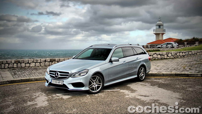 Mercedes_Benz_Clase_E_350_BlueTEC_4MATIC_Estate_13