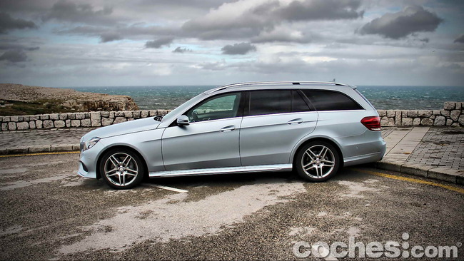 Mercedes_Benz_Clase_E_350_BlueTEC_4MATIC_Estate_14