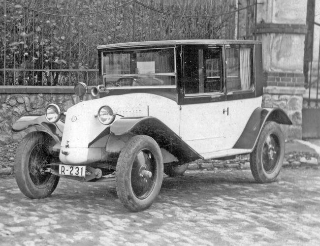 Tatra T11