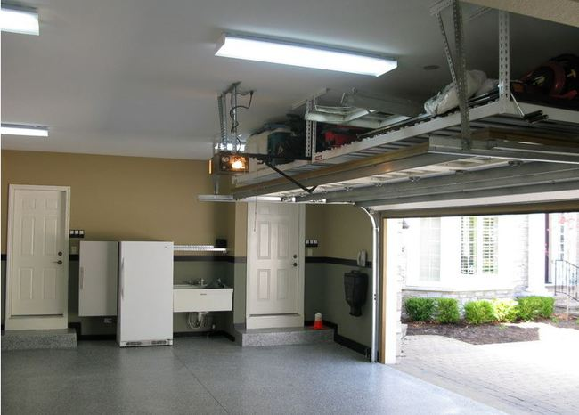 Ocho ideas para organizar un garaje for Over car garage storage
