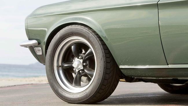 Ford_Mustang_Bullitt_06