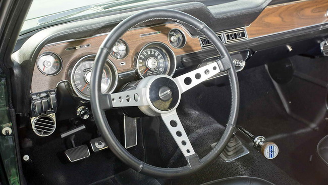 Ford_Mustang_Bullitt_13