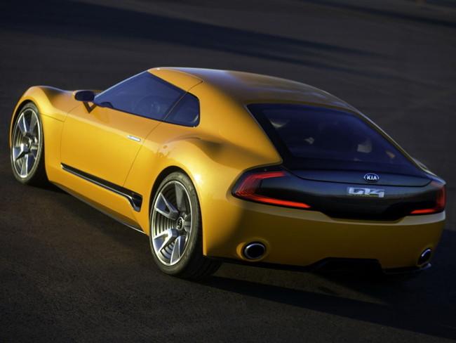 Kia GT4 Stinger 2014 03