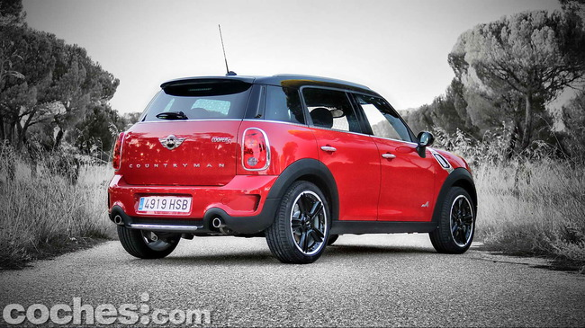 MINI_Cooper_S_Countryman_ALL4_02