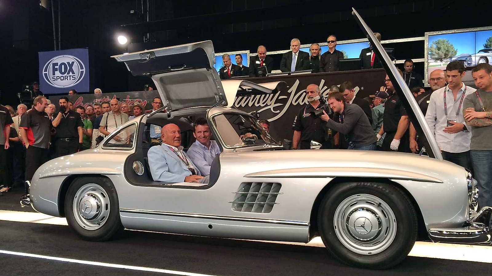 Mercedes_Benz_300SL_Gullwing_Coupe_1955_02