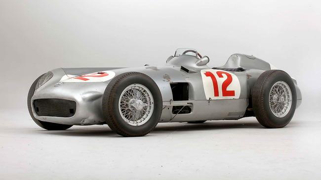 Mercedes_Benz_W196R_Formula_1_Racing_Single_Seater_1954_01