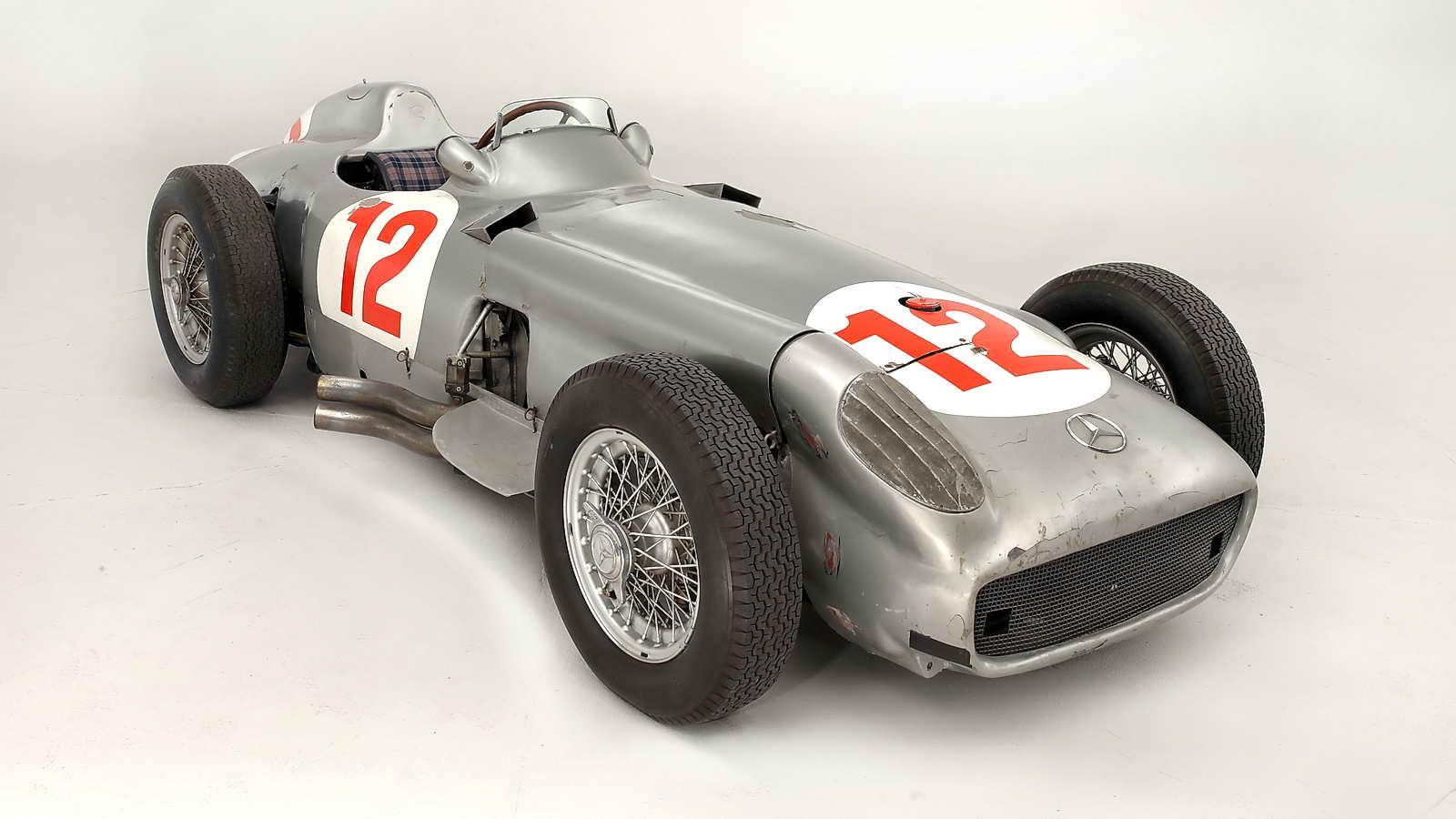 Mercedes_Benz_W196R_Formula_1_Racing_Single_Seater_1954_02