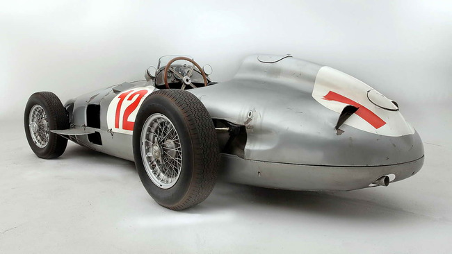 Mercedes_Benz_W196R_Formula_1_Racing_Single_Seater_1954_03