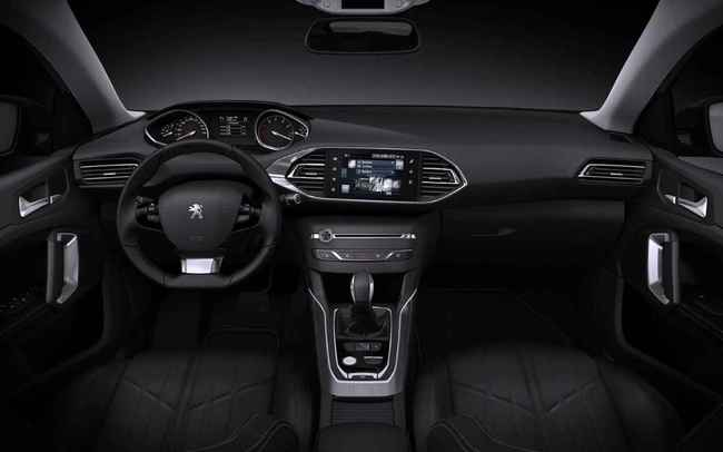 Peugeot 308 SW 2014 12 interior