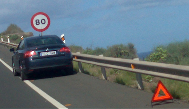 coche parado averia
