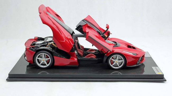 Ferrari_LaFerrari_Amalgam_09