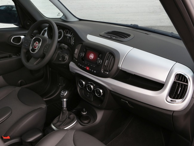Fiat 500L Trekking Beats Edition 2014 interior 02