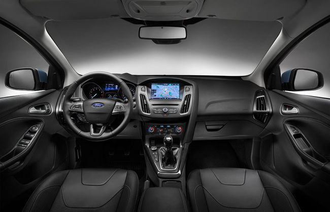 Ford Focus 2014 interior 04