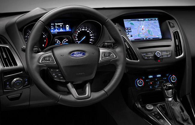 Ford Focus 2014 interior 05