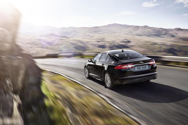 Jaguar XF R-Sport 2014 02