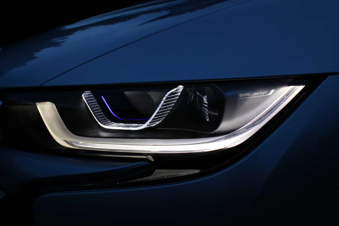 Luces laser BMW i8 2