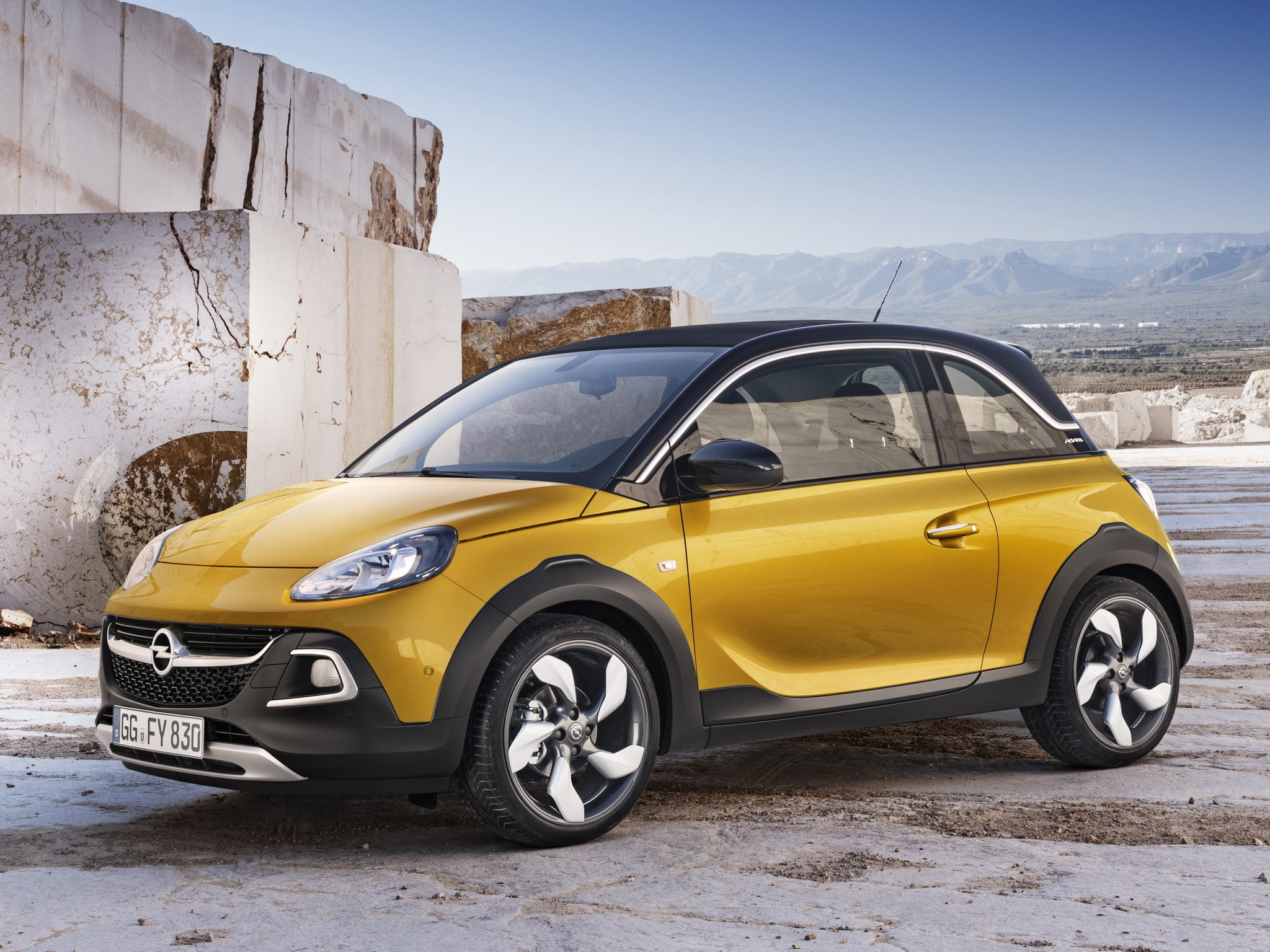 opel adam rocks ahora descapotable con aire suv. Black Bedroom Furniture Sets. Home Design Ideas