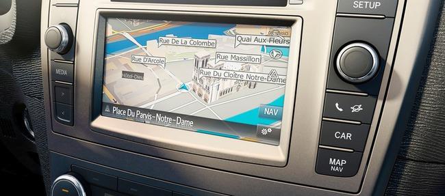 Toyota Avensis 2014 interior 2