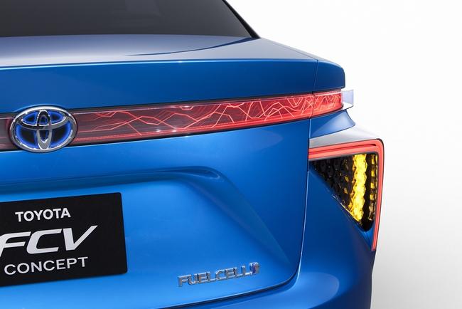 Toyota FCV Concept 2013 09