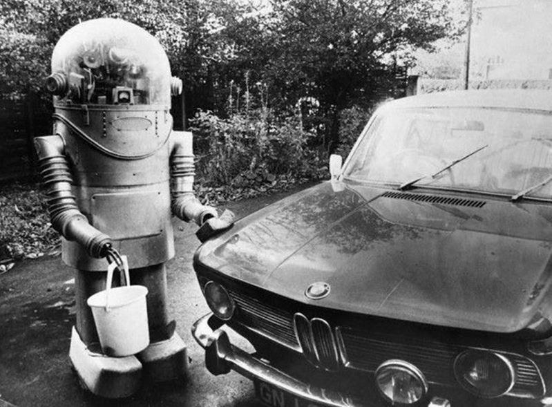 robot lava coche 1974