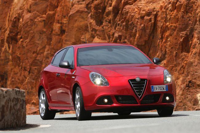 Alfa Romeo Giulietta Quadrifoglio Verde 2014 12