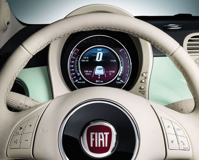 Fiat 500 2014 interior 05