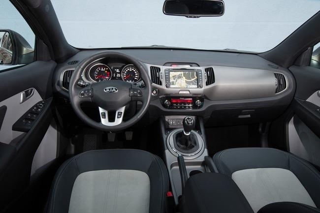 Kia Sportage 2014 interior 01
