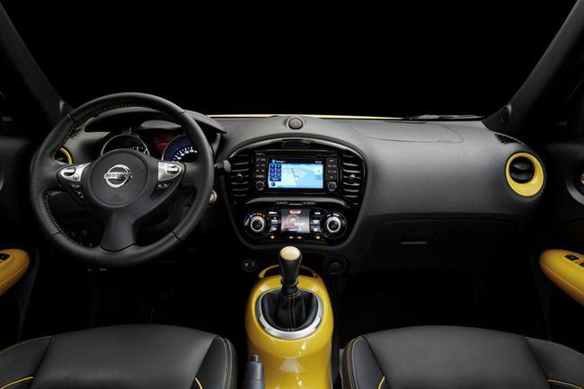 Nissan Juke 2014 interior 01