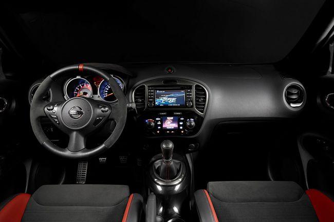 Nissan Juke Nismo RS 2014 interior 01