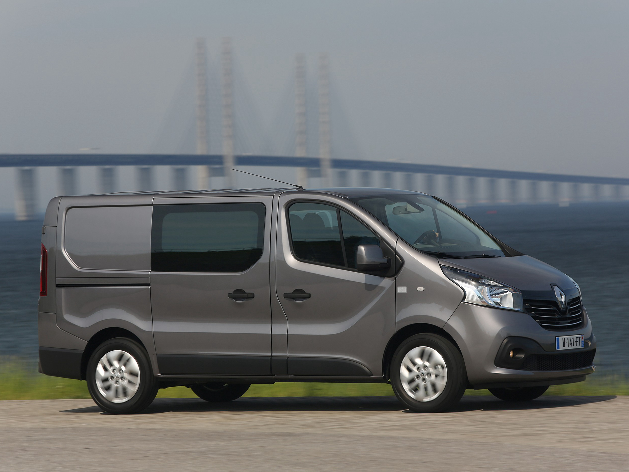 Renault Trafic, precios y equipamiento del comercial con ...