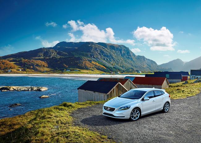 Volvo V70 Ocean Race 2014 01