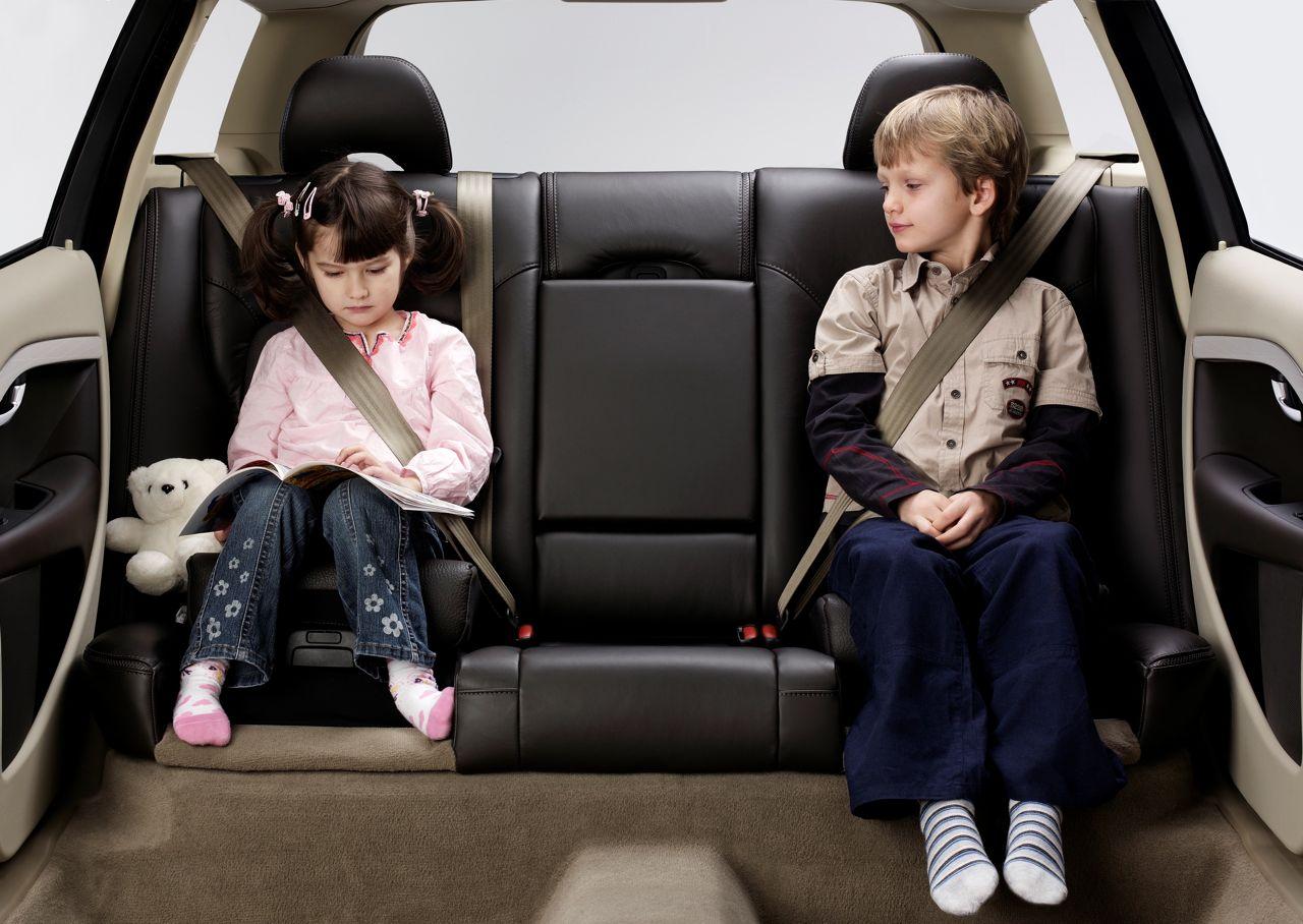 Volvo y la seguridad infantil los ocho avances clave for Alzador para auto