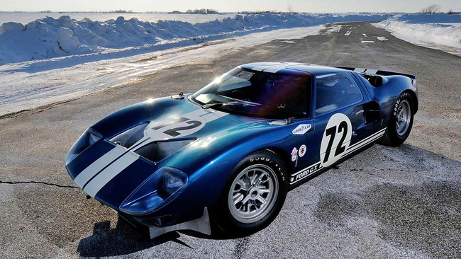 Ford_GT40_Prototype_GT_104_1964_06
