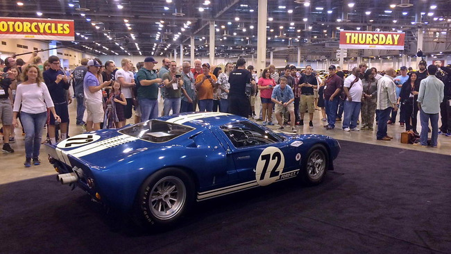 Ford_GT40_Prototype_GT_104_1964_11