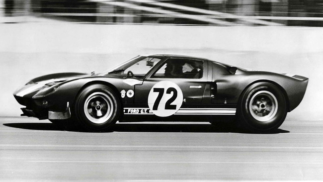 Ford_GT40_Prototype_GT_104_1964_13