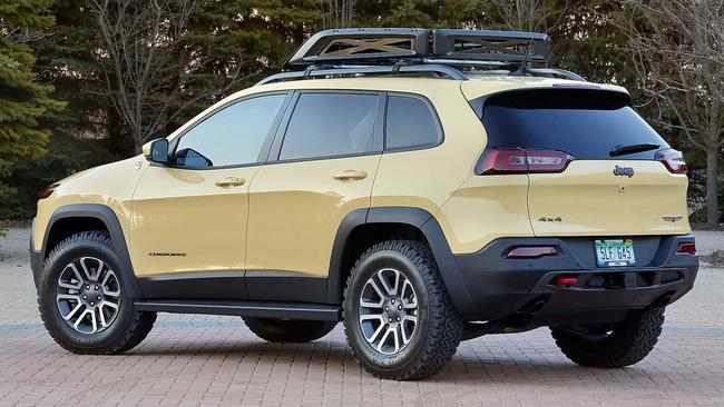 Jeep_Cherokee_Adventurer_02