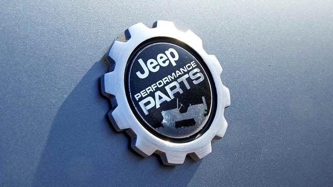 Jeep_Cherokee_Dakar_03