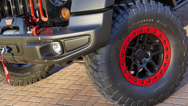 Jeep_Wrangler_Level_Red_04