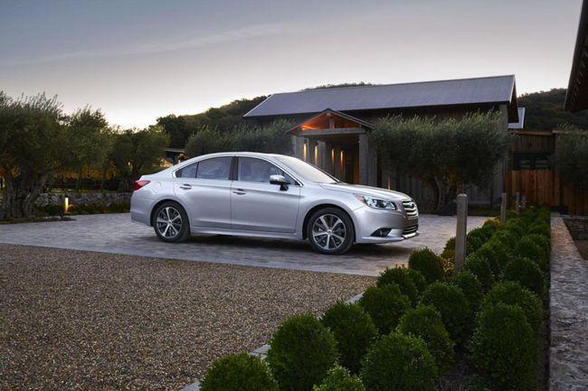 Subaru Legacy 2015 02